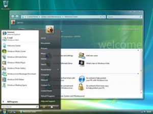 Windows Vista界面的Aero主题,窗口的边缘富有光泽,像玻璃一样。