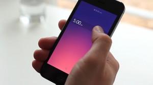 在Rise这个app中,用户通过创新的全屏幕滑块这种方式来设置时间,相应的,背景颜色会对应天空的颜色发生变化。
