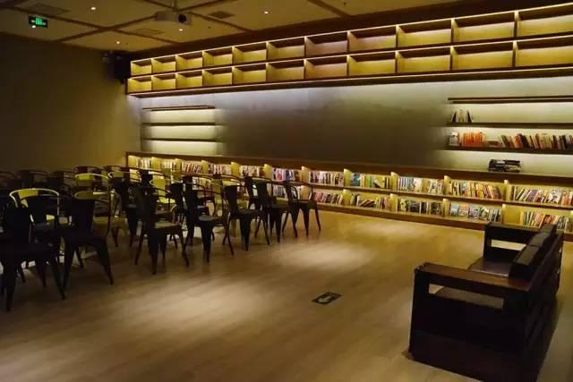 言又几——一家有颜值的书店,运气总不会太差