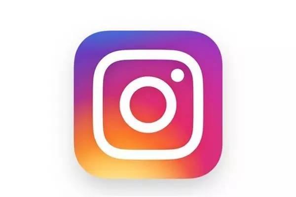 """Instagram的用户们用他们自己的方式来""""设计""""这个全新的logo形象"""
