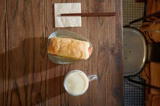 仅仅靠卖豆浆油条也能创立如此小清新的餐饮品牌?! (17)