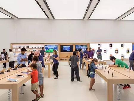 苹果店这些出色的设计,跟山寨相比真是处处不同