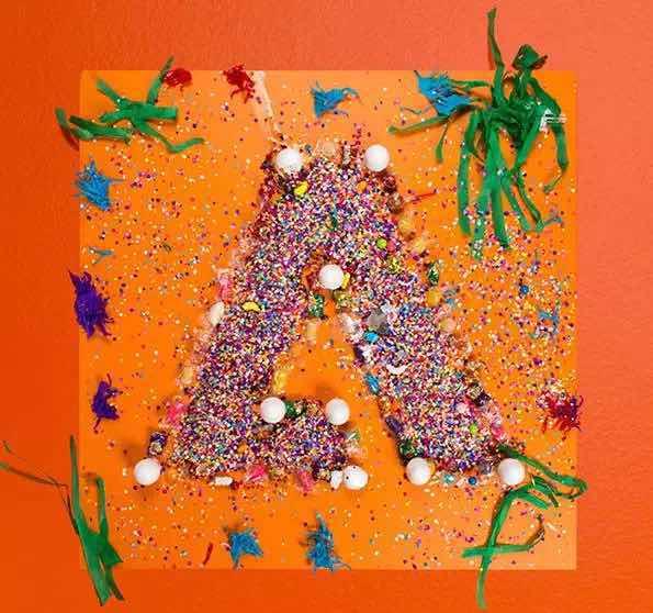 做Photoshop的那家Adobe公司把logo设计玩出了花!