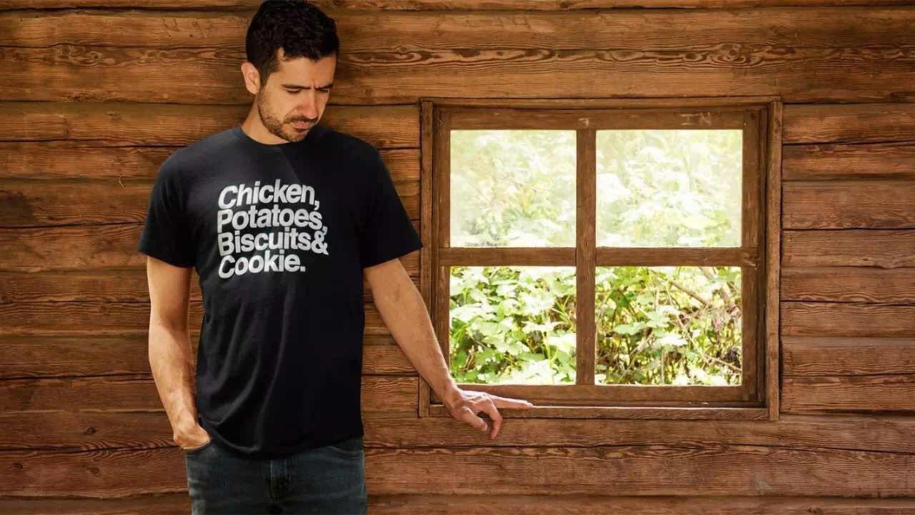 肯德基不仅升级了快餐logo标志,竟然还开起了服装店!